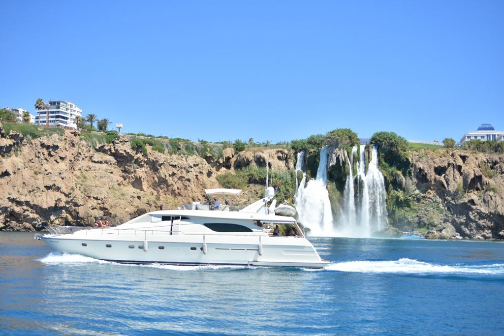 Antalya Merkez' de Yat Kiralama